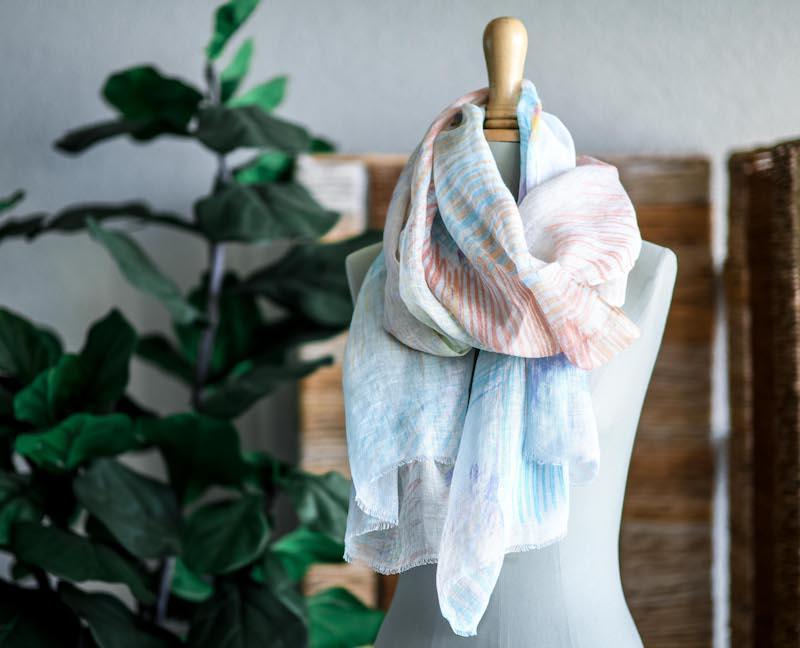 Schal auf einer Schneiderbüste